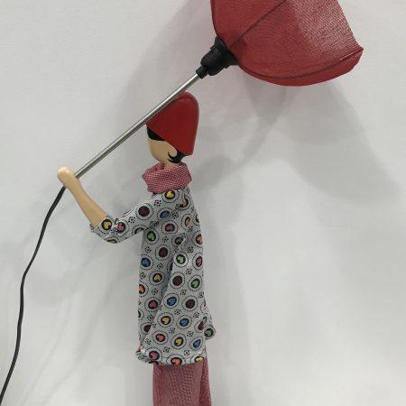 Lampe-Femme-Parapluie-Rouge-Maison-et-Cadeaux-scaled.jpg