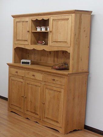 vaisselier-pin-bois-massif-meuble-maison-et-cadeaux.jpg